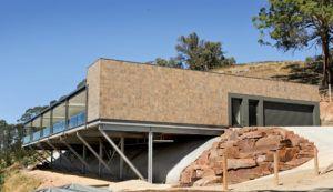 MBAV award winning moutainside home