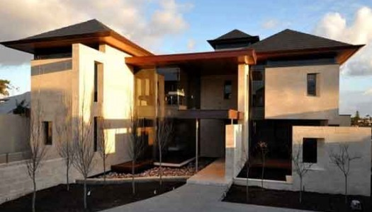 Tri-Level Contemporary Canning River Views