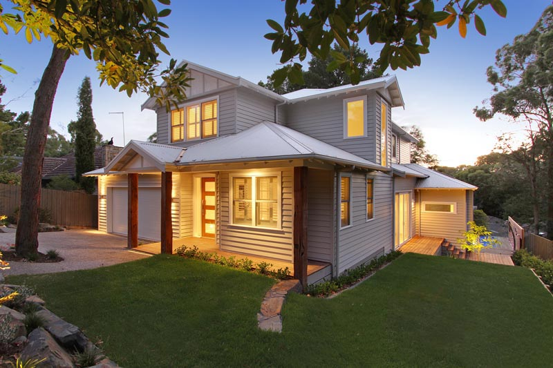 Weatherboard homes modern weatherboard homes for Modern weatherboard home designs