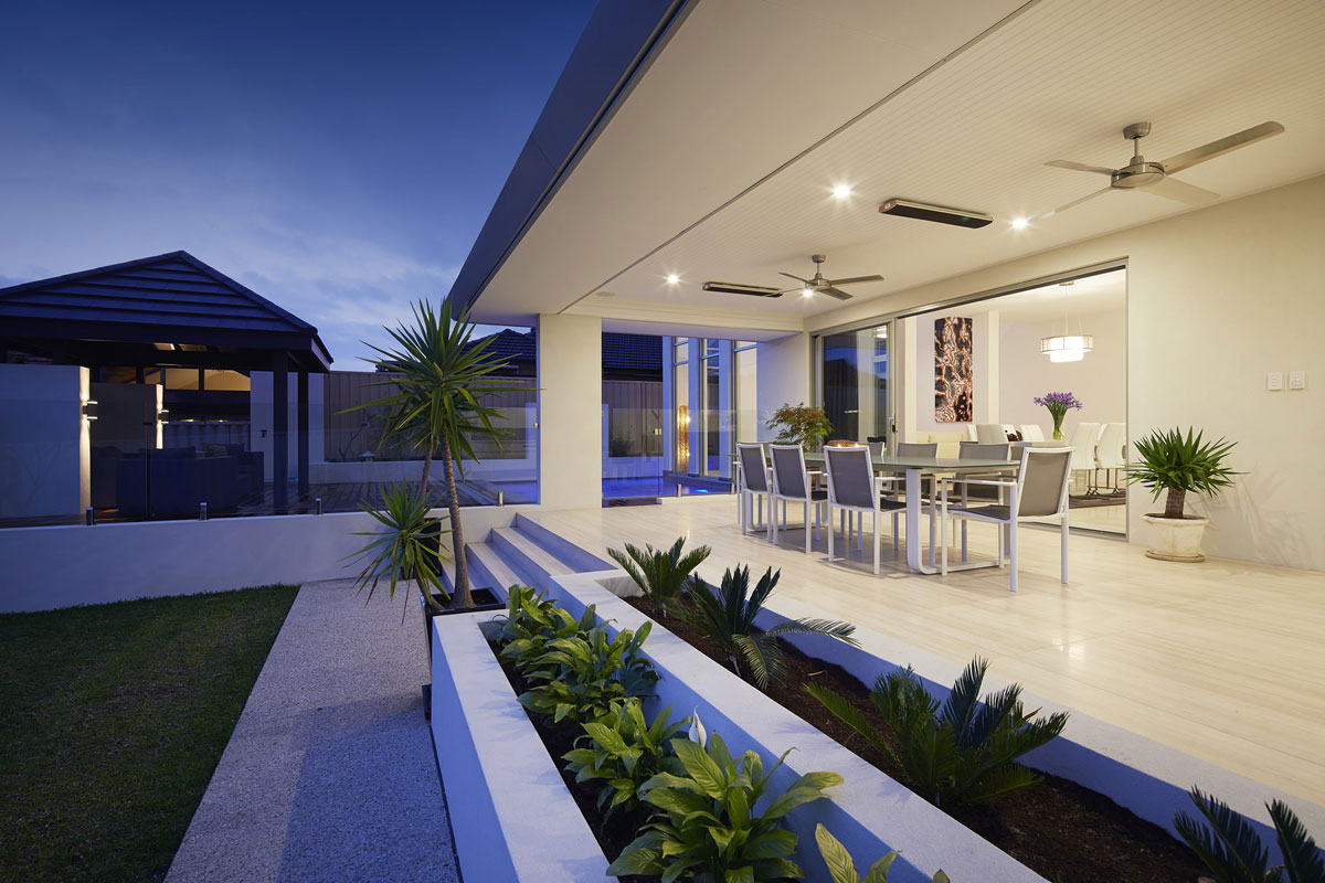 Sloping blocks home designs perth sloping block homes for Build a custom home online
