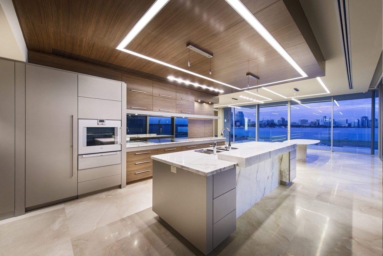 luxury-home-kitchen