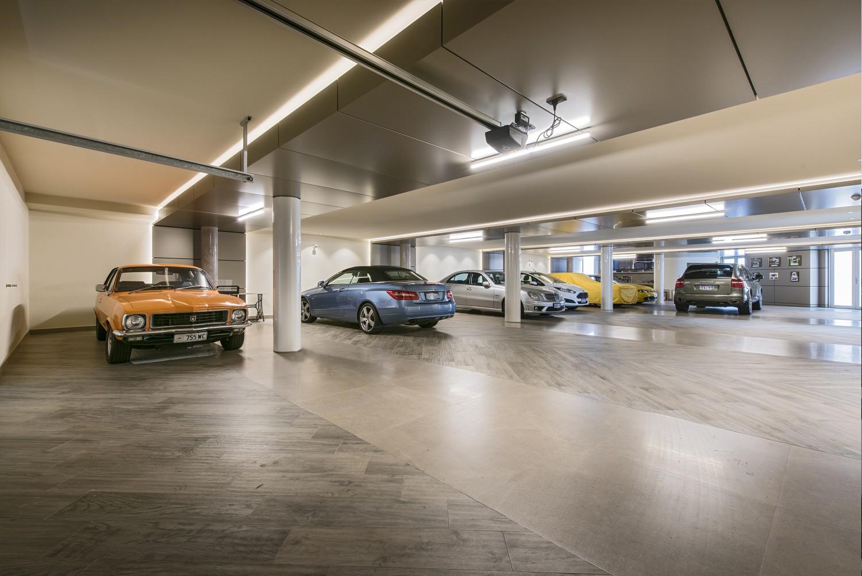 Narrow Block Home - Garage