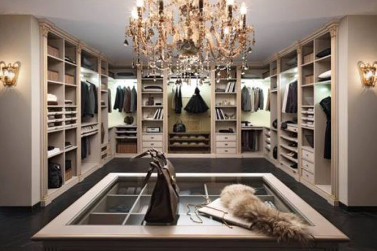 Walk in closets to die for for Luxury walk in closets