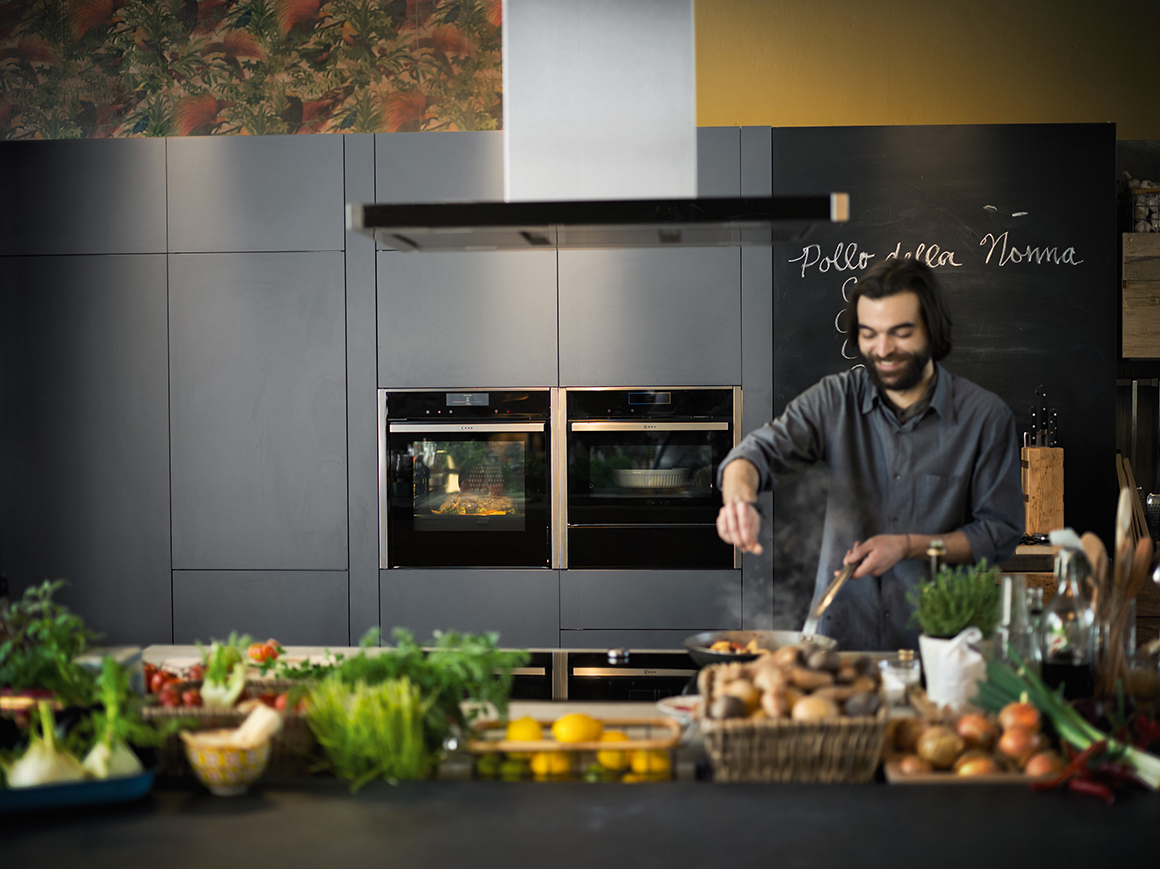 The New Neff Oven Collection_Lifestyle_05-header1