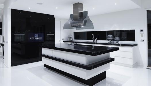 10 Beautiful Black Kitchens