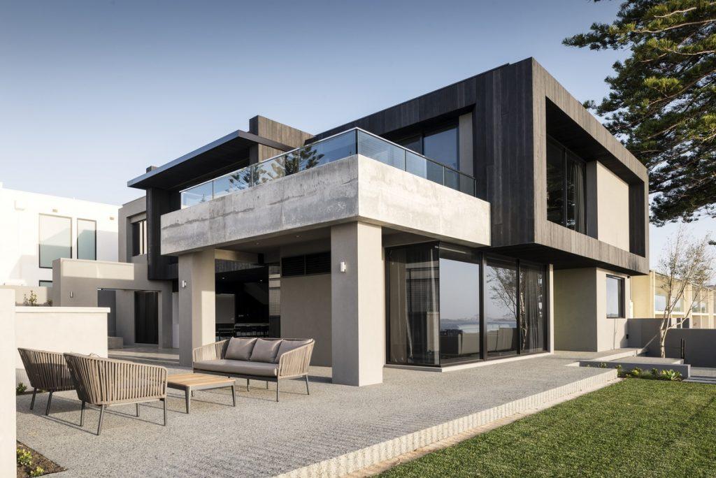 Luxury Display Home by Zorzi Builders