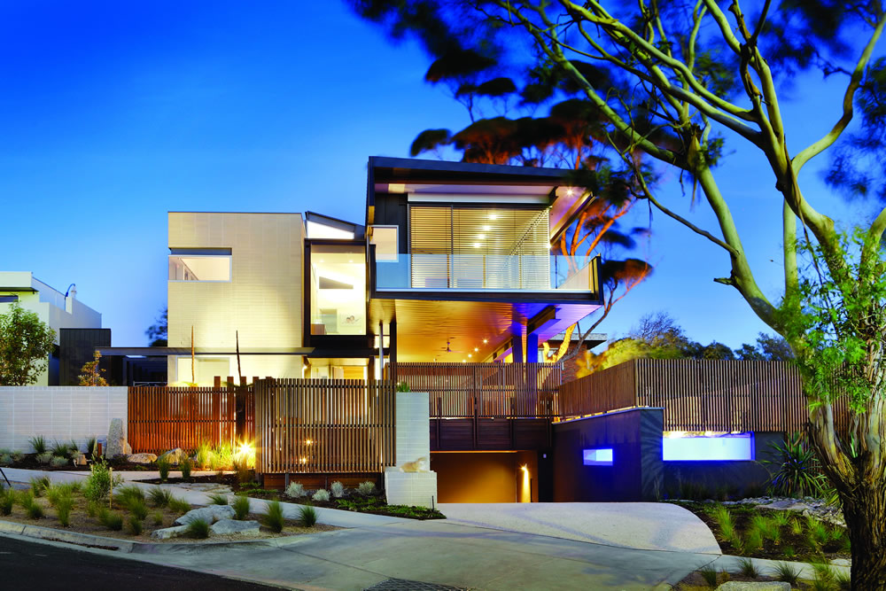 Contemporary custom homes modern luxury homes for Luxury home designs australia
