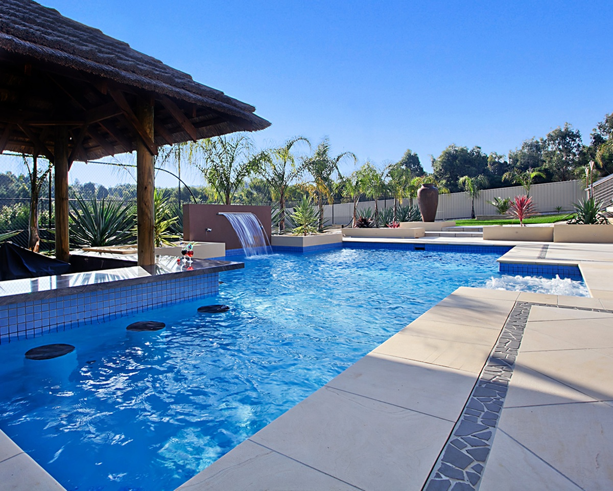 Coastal Custom Pool And Spa