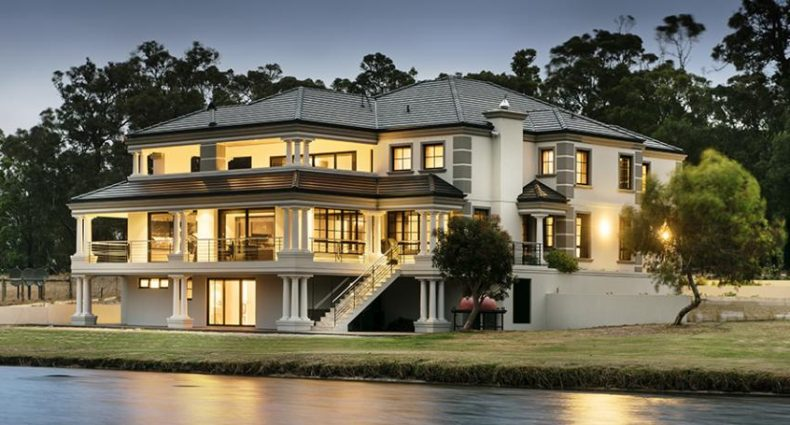 georgian-style-manor-overlooking-dam-custom-homes-2