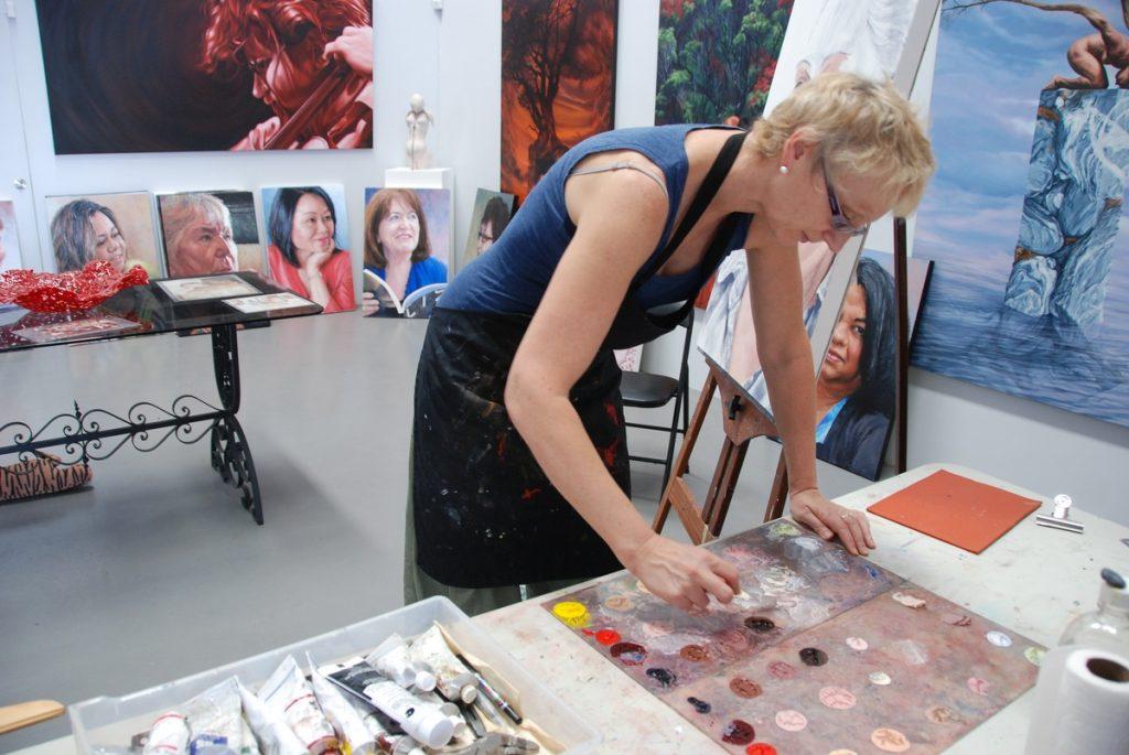 jana-working-on-permanent-impressions