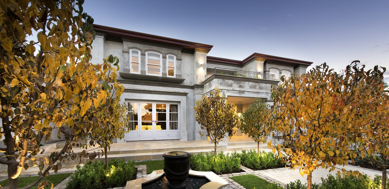 Luxury european style custom home for Luxury home features