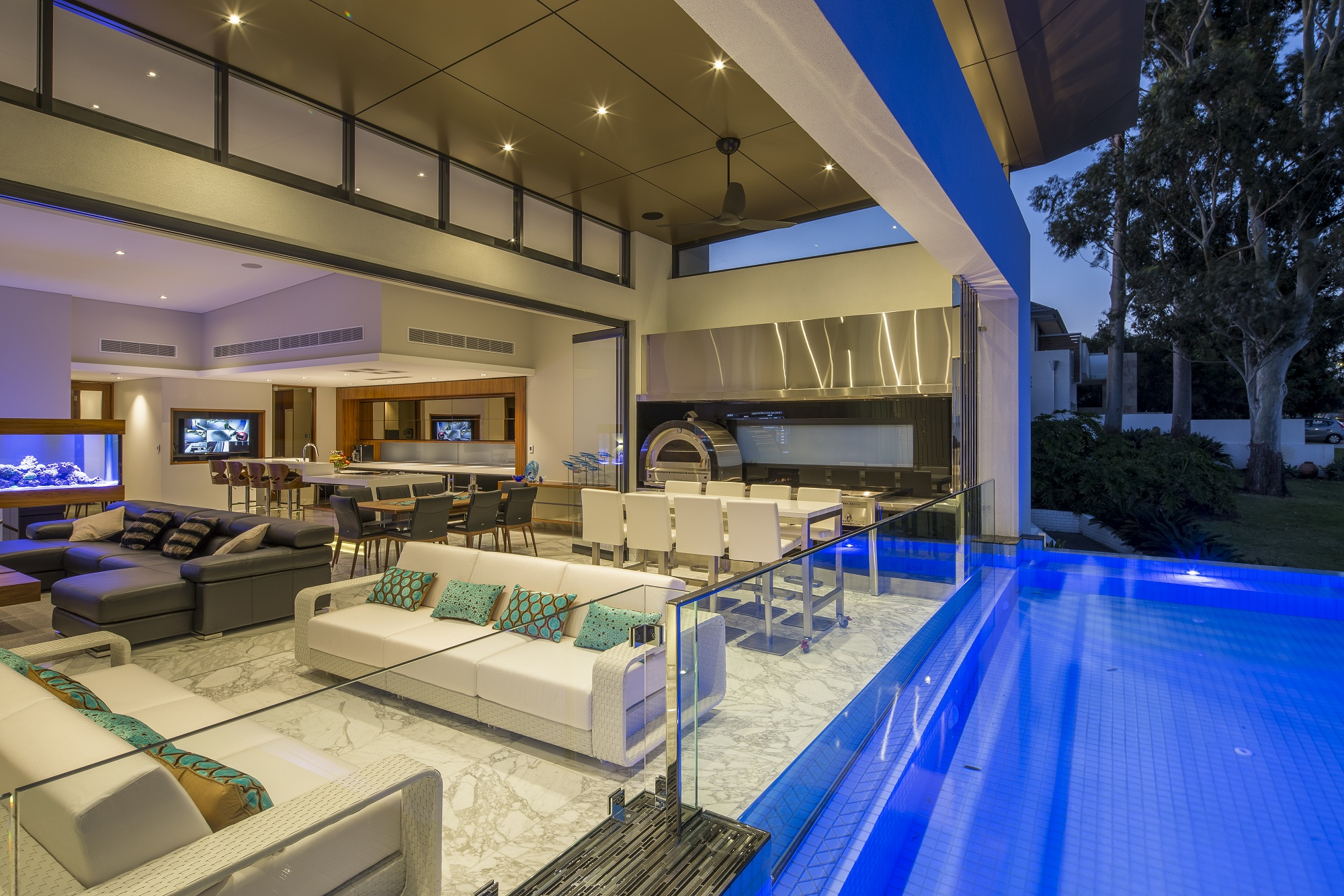 Luxury custom home doubleview wa custom homes feature for Custom home online