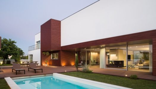 DECK HOUSE: A VILLA EXPANSION