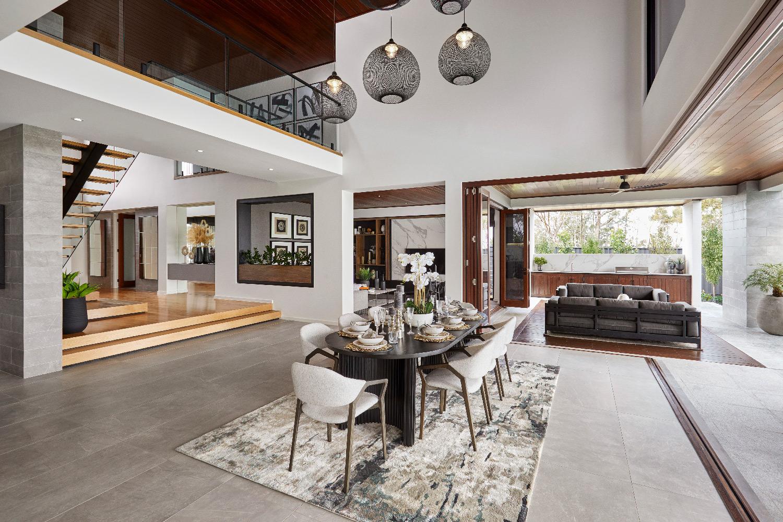 Contemporary Home-Dining-Family