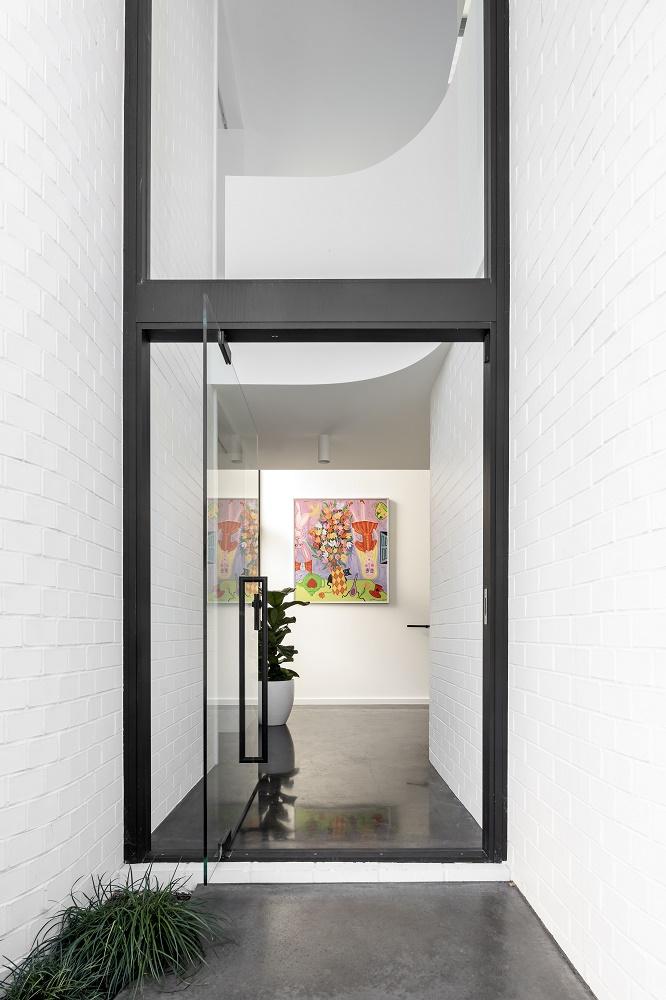 Narrow Block Home Design
