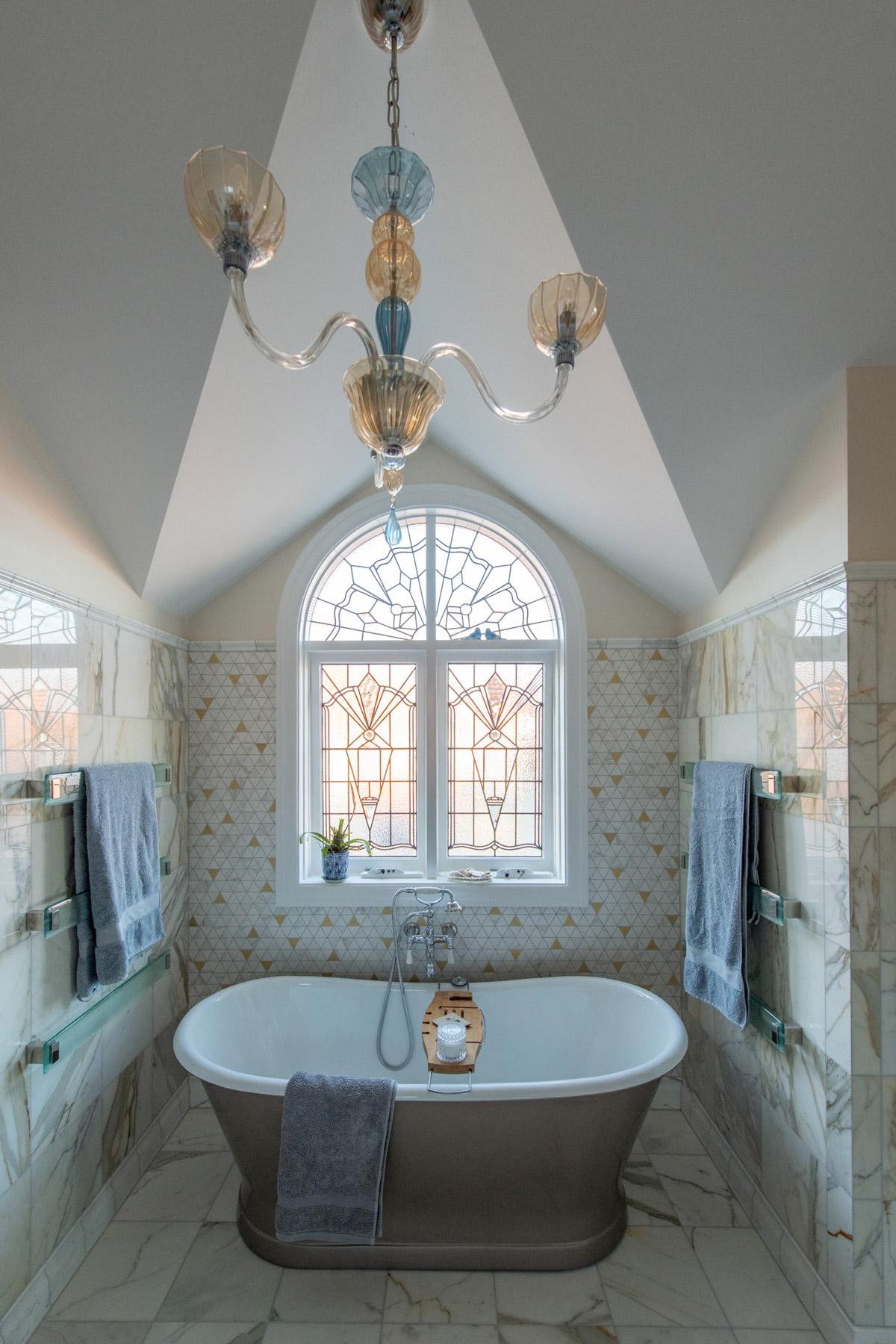 Art Deco bathtub