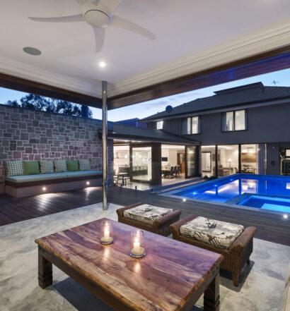 Custom Builders pool