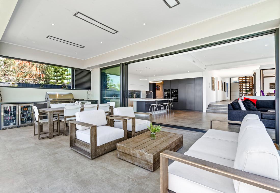 Greenhills livingroom