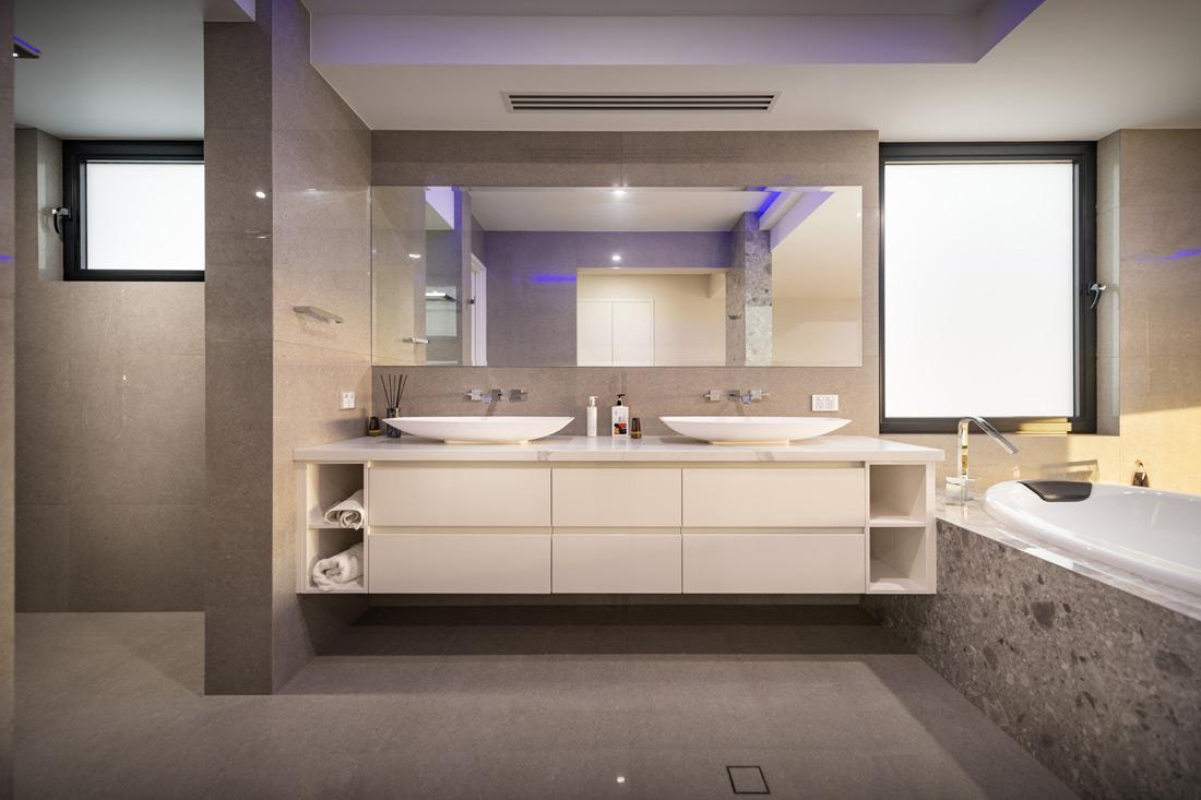 Custom Builders Perth Bathroom white vanity