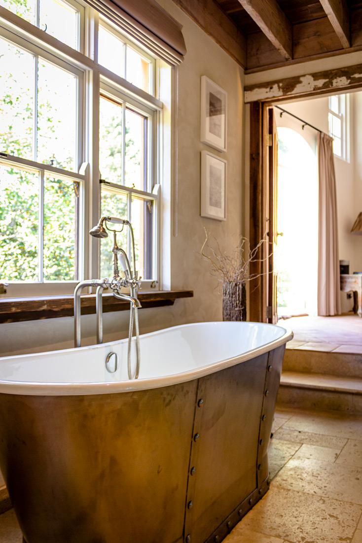 Tuscan Style Homes Bathtub