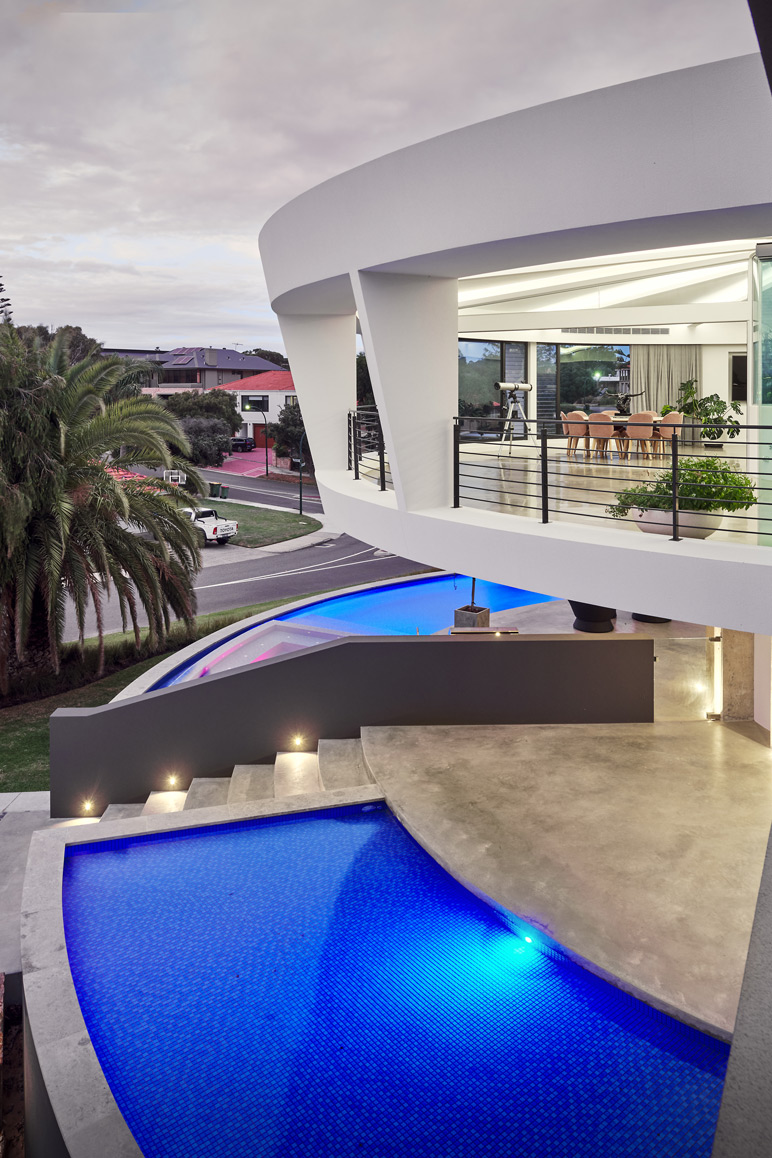 Futuristic-Home-pool